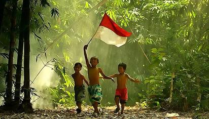 """Dari keluarga anak belajar tentang """"patriotisme yang terinformasi"""". (Dok. Istimewa)"""