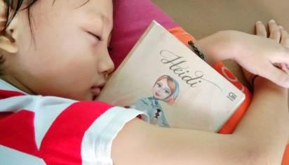 """Novel """"Heidi"""" karya Johanna Spyri."""