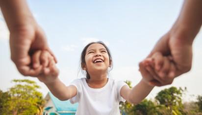 Orangtua, atmosfer ide yang dihirup anak.