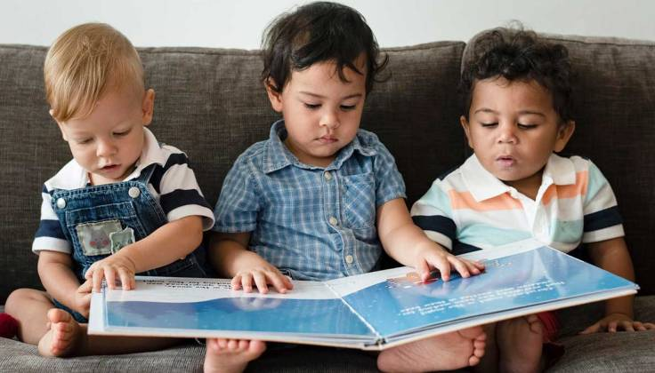 babies-reading-t