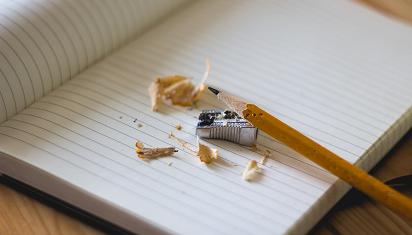 Bahkan dari latihan menulis pun, anak bisa terinspirasi. (Dok. Istimewa)