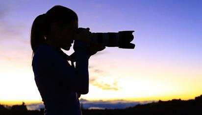 Dengan lensa apa kita memotret peristiwa?